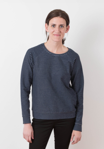 Women wearing the Linden Sweatshirt sewing pattern by Grainline Studio. A relaxed fitting sweatshirt pattern made in jersey or knit fabric featuring a slightly scooped neckline and long raglan sleeves.
