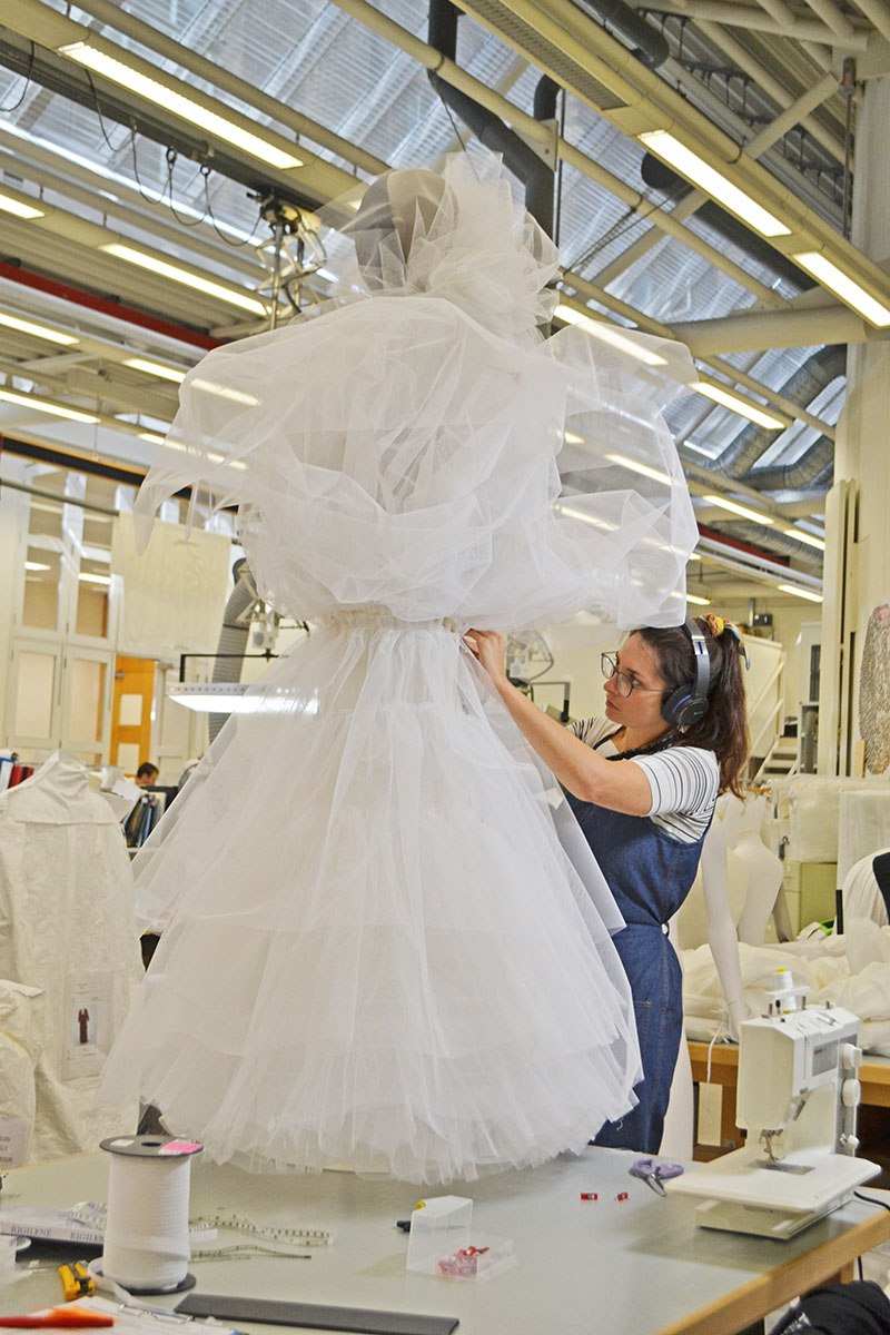 Careers In Sewing Textile Conservation Specialist The Foldline