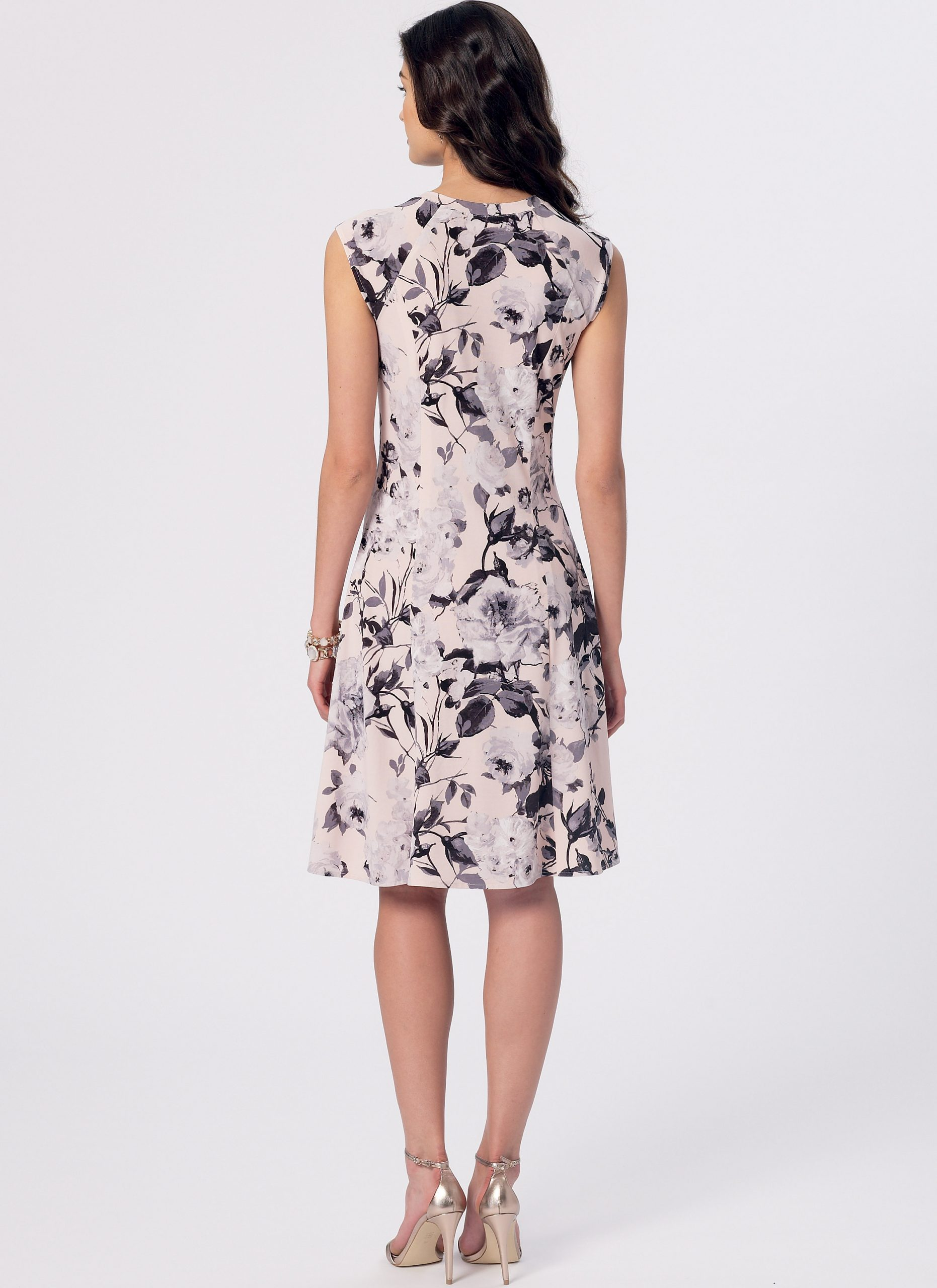 McCalls Patterns M7349 Misses//Miss Petite Sleeveless or Raglan Sleeve 6-8-10-12-14 Fit and Flare Dresses Size A5